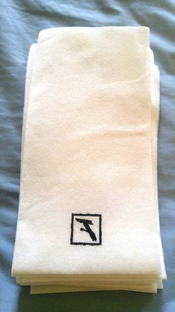 70 Disposable Paper Guest Hand Towels Napkins For Dinne, Cle
