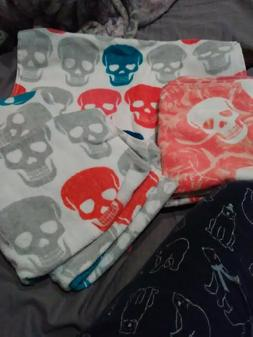 BETSY JOHNSON LARGE HAND TOWELS 1 LOVE SKULLS 3 SKULL PARTY