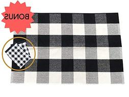 Black and White Plaid Checkered Buffalo Rug with Hand Towel