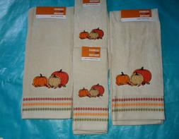 Fall Pumpkins Bath Hand and Fingertip Towels