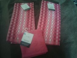 New !!  2 KITCHEN/HAND TOWELS & 2 DISHCLOTHS  Color: Various