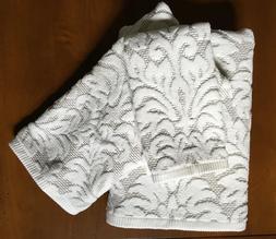 Inspirato Plush Towels Set of 3  White Jacquard 100% Cotton