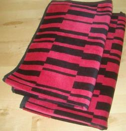 """Set of 2 Hand Towels Hot Pink / Black Cotton 16 x 28 """" w/ Lo"""