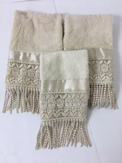 Croscill Towels 2 Hand 1 Fingertip Beige Chocheted Fringe 10